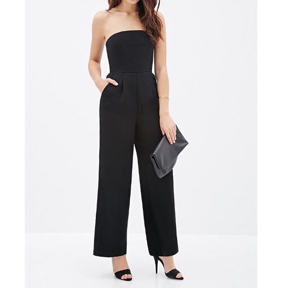 c9450d0e933 NWT▫️FOREVER21 Black Strapless Wide-leg Jumpsuit▫️